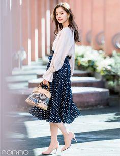 b6b4680352991 新木優子が着る☆この春、盛れるのは水玉模様の揺れスカート!
