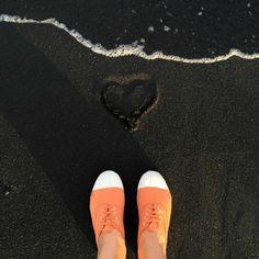 bensimon-vacances-autour-du-monde-italie Adidas Stan Smith, Collaboration, Tennis, Adidas Sneakers, Fall Winter, Display, Orange, Shoes, Fashion