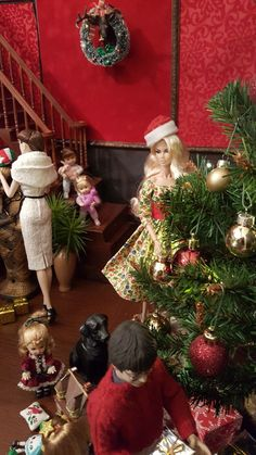 Barbie Shop, Barbie Life, Barbie World, Barbie And Ken, Christmas Barbie, Christmas Fashion, Fashion Royalty Dolls, Fashion Dolls, Christmas Scenes