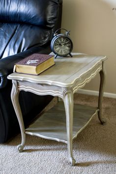 End table / Sofa Table with Annie Sloan Chalk Paint (ascp) using French Linen and Old White with Clear Wax and Dark Wax