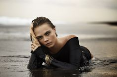 Cara Delevingne Wet And Beautiful http://strip2me.com/cara-delevingne-nude/