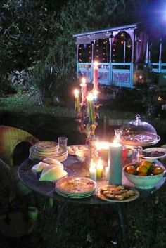 Dîner en tête-à-tête. backgrounds, garden parties, summer nights, candl, place, gypsi, bohemian, backyards, picnic