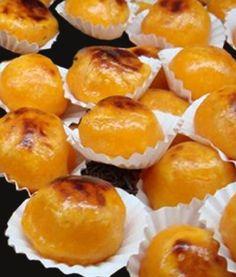 """""""Castanhas de Ovos"""" de Aveiro. Bakery Recipes, Wine Recipes, Dessert Recipes, Cooking Recipes, Portuguese Desserts, Portuguese Recipes, Portuguese Food, Dessert Party, My Favorite Food"""