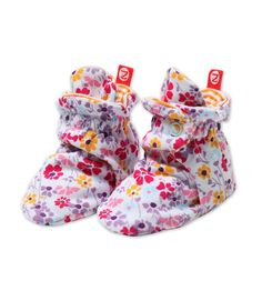 OMG for Mena!! These baby booties are the only ones that stay on! @zutano  Perfect for spring & summer! #promo