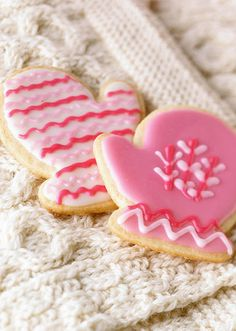 These cute mittens are a perfect treat for chilly weather. Here's our favorite sugar cookie recipe: http://www.bhg.com/christmas/cookies/sugar-cookies-with-a-fresh-twist/?socsrc=bhgpin110612cookiemittens#page=12