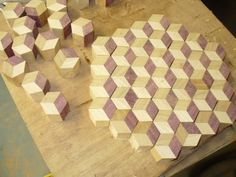 to make a endgrain tumbling block butcher block board! - by degoose @ ~ woodworking community Wooden Projects, Wood Crafts, Diy Projects, Diy Cutting Board, Wood Cutting Boards, Butcher Block Cutting Board, Tumbling Blocks, Got Wood, Wood Design