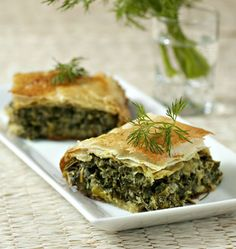 Spinach and feta puff pastry (Greece) - Spinach and feta puff pastry (Greece) – Ôdélices: Easy and original cooking recipes! No Salt Recipes, Greek Recipes, Real Food Recipes, Vegetarian Recipes, Cooking Recipes, Healthy Recipes, Greek Menu, Organic Recipes, Ethnic Recipes
