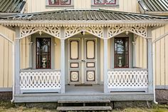 8 rum villa på Jakobsgården, Karlsborgs kommun Undenäs. Liknar mitt barndomshem väldig mycket!
