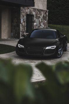 draftthemes: envyavenue: Audi R8 V10 Follow us on...