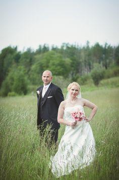 Wedding Photographer – Kenyon Wedding #wedding #field #barn #farm #inspiration #formal #photography #bouquet #bridal #groom #bride #dress #veil