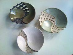 No Cost Pottery Ideas bowls Tips Wonderful No Cost Pottery Ideas bowls Tips Ceramic Clay, Ceramic Painting, Ceramic Bowls, Painted Ceramics, Pottery Workshop, Pottery Studio, Slab Pottery, Ceramic Pottery, Pottery Plates