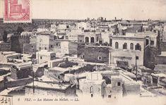 Quartier juif du mellah à Fès avec ses fenêtres et balcons sur l'extérieur.