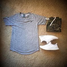 WEBSTA @ ifeellikeali - #simpleoutfit #publishbrand #ultraboost #triplewhite… Lit Outfits, Simple Outfits, Casual Outfits, Fashion Wear, Mens Fashion, Fashion Outfits, Style Streetwear, Look Man, Mode Chic
