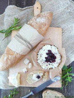 Meine Küchenschlacht: Bauern Baguette mit Sesam-Cranberry Obatzter & Degustabox Mai