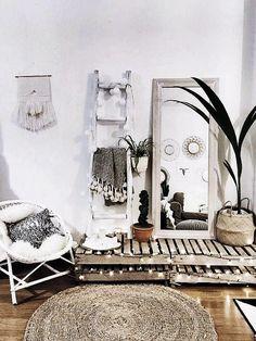 56 inspiring cozy apartment decor on a budget 29 Decor Room, Bedroom Decor, Bedroom Mirrors, Bedroom Ideas, Girls Bedroom, Master Bedroom, Cozy Apartment Decor, Apartment Interior, Apartment Living