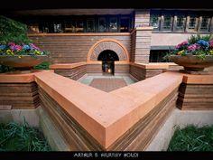 Frank Lloyd Wright - Heurtley House - Chicago, f Oak Park - 1902 Frank Lloyd Wright Buildings, Frank Lloyd Wright Homes, Oak Park Illinois, Organic Architecture, Historic Architecture, Architecture Images, Prairie House, Prairie School, Usonian
