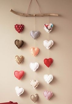 .hearts mobile Valentine Decorations, Valentine Crafts, Valentines Day, Sewing Crafts, Sewing Projects, Diy Crafts, Felt Projects, Room Decor, Diy Home Decor