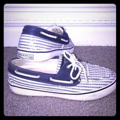 Sperry Top Sider Sequin Like new. Shows small wear. Great condition. Perfect for Spring Summer Sperry Top-Sider Shoes Sneakers