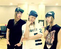 iKON Bobby, June, Jinhwan Experimenting with wigs Yg Ikon, Mullet Hairstyle, Mobb, Kim Hanbin, Reality Tv Shows, Kpop, Yg Entertainment, Mix N Match, Bigbang