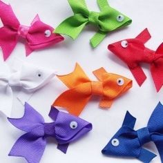 fish ribbon for little girl barrettes- pin opens to TONS of great DIY ideas, going to visit this one a lot! Ribbon Art, Ribbon Crafts, Ribbon Bows, Diy Ribbon, Grosgrain Ribbon, Ribbon Barrettes, Sewing Projects, Craft Projects, Craft Ideas