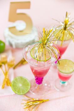 Party Cocktail Pink Lemonade Ideas For 2019 Cocktail Mix, Cocktail Glass, Signature Cocktail, Cocktail Drinks, Colorful Cocktails, Pink Cocktails, Festive Cocktails, Bar Drinks, Yummy Drinks