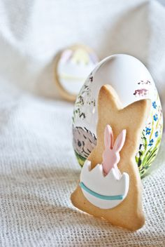 Biscotti alle mandorle Cute Easter Bunny, Hoppy Easter, Easter Cookies, Easter Treats, Easter Lunch, Happy Easter Everyone, Sweet Box, Easter Parade, Easter Colors