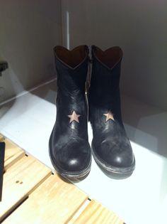 Mexicana boots @Antoinette Concept Store Bijoux ad personam  bijoux ad personam
