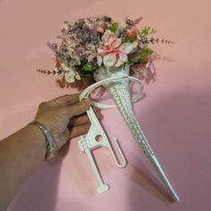Bridal Bouquets Wedding Flowers And Head Tables On Pinterest