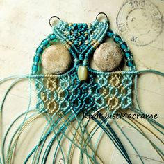 Micro macrame owl knotting in progress