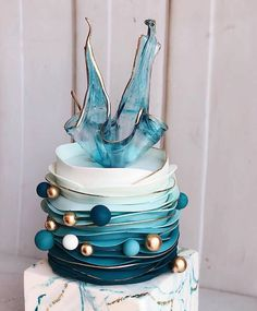 wedding cakes fondant Best Picture For Cake Design blue For Your Taste You are looking for something, and it is going to tell you exactly what you are looking for, and you didn't find Fondant Wedding Cakes, Wedding Cakes With Cupcakes, Fondant Cakes, Cupcake Cakes, Fondant Cake Designs, Fondant Ruffles, Crazy Cakes, Fancy Cakes, Beautiful Birthday Cakes