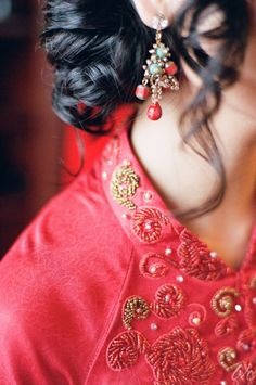 lovely traditional Vietnamese wedding ceremony dress details
