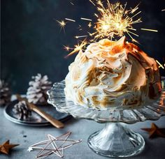 Try this delicious knickerbocker glory recipe with a winter twist. The new winter-bocker glory on Asda Good Living recipes. Christmas Ice Cream, Christmas Pudding, Christmas Desserts, Christmas Baking, Christmas Things, Family Christmas, Knickerbocker Glory, Mint Brownies, Baked Alaska