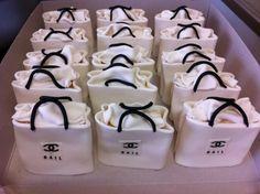 Chamel Shopping Bag Mini-Cakes.....these are so amazing!