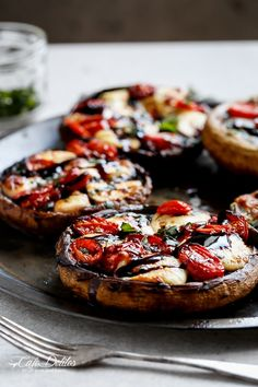Caprese Stuffed Garlic Butter Portobellos | http://cafedelites.stfi.re