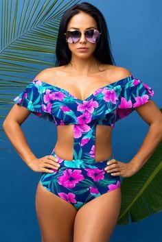 Shop stylish women's swimwear at FABKINI & find tankinis, bikinis, one-piece swimsuits, monokinis & more. Swimwear Fashion, Bikini Fashion, Outfit 2016, Cute Bathing Suits, Cute Swimsuits, Beachwear For Women, Summer Outfits Women, Cute Outfits, Beach Outfits
