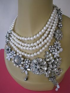 "BETSEY JOHNSON ""SOMETHING NEW"" CRYSTAL & FAUX PEARL STATEMENT NECKLACE~NWT  