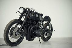 Suzuki GS750 Cafe Racer by Eastern Spirit #motorcycles #caferacer #motos | caferacerpasion.com