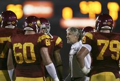 LOS ANGELES, CA - NOVEMBER 18:  Head coach Pete Carroll of the USC Trojans motivates his players against the California Golden Bears during the first quarter at the Los Angeles Memorial Coliseum on November 18, 2006 in Los Angeles, California.  (Photo by