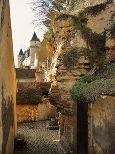 Montrésor: Jolie petite ruelle - France-Voyage.com