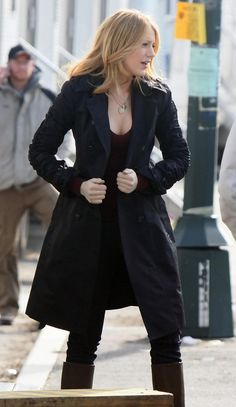 Polished beauty Blake Lively ...  High-class Lady...   She starred as Ophelia -O- Sage in Savages (2012)