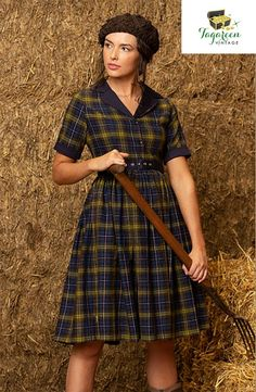 Country Casual, Granny Chic, Gingham Dress, Navy And Green, Flare Skirt, Vintage Shirts, Chic Outfits, Plus Size Outfits, Winter Fashion