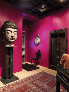 Hot pink meets ethnic antiques. Like it! Pink Room, Colorful Interiors, Interior Exterior, Home Interior Design, Asian Interior, Interior Ideas, Pink Walls, Magenta Walls, House Colors