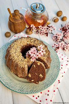 CHEC DE POST CU CACAO SI NUCI   Diva in bucatarie Bagel, Bread, Rome, Breads, Baking, Buns