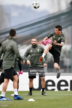 VINOVO, ITALY - APRIL 02: Mario Mandzukic of Juventus during a training session on the eve of the Champions League match against Real Madrid at Juventus Center Vinovo on April 2, 2018 in Vinovo, Italy. (Photo by Daniele Badolato - Juventus FC/Juventus FC via Getty Images)
