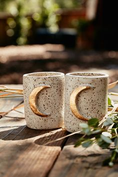 http://sosuperawesome.com/post/155373790030/moon-mugs-by-elizabeth-di-prinzio-on-etsy-see