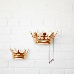 Crown wall hook - esp for kids rm