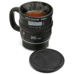 into focus tea cup // Taza de te con into focus