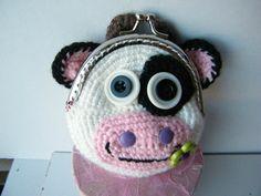porte monnaie vache 2 création de Valérie Sady, que vous pouvez retrouver sur son blog http://www.lavaleducarton.info/