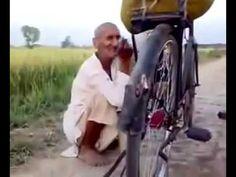 Funny Pakistani BABA SINGER - singing a song -Burhapy men jawani  ka Rog...