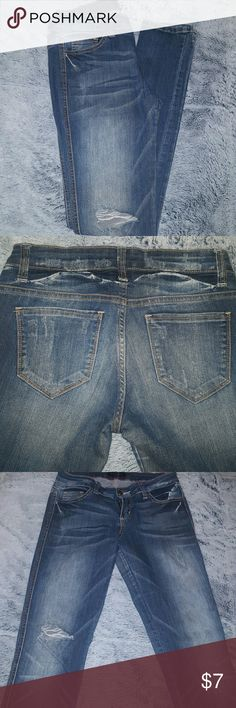 Distressed Jeans Skinny, new, not my size, size 3 in juniors, has only one knee distressed as shown on picture Jeans Skinny